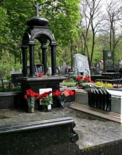 памятники из гранита в Симферополе
